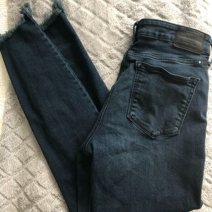 Distressed Skinny Lucky Jeans